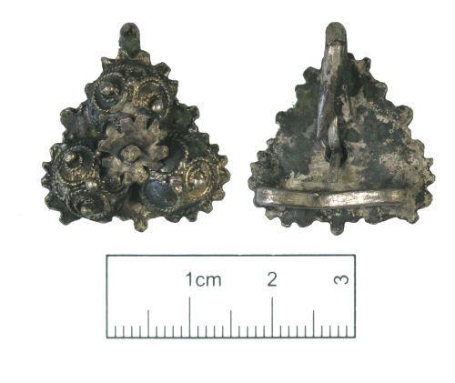 KENT-97F211: A silver gilt Tudor clothes fastener.