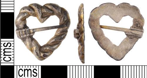 KENT-6DF6C0: Medieval silver gilt brooch