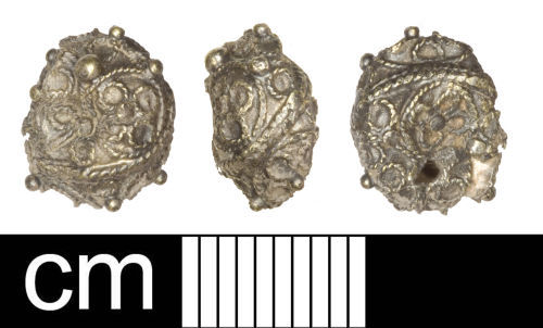 SOM-6452D1: som-6452d1: 2014 T26 Post-Medieval silver-gilt dress pin head