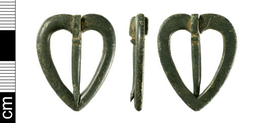 BH-8791D5: Medieval open-frame brooch