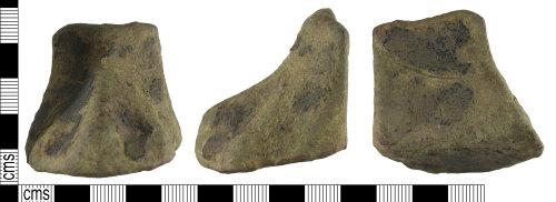 A resized image of Medieval : Vessel Pot Leg