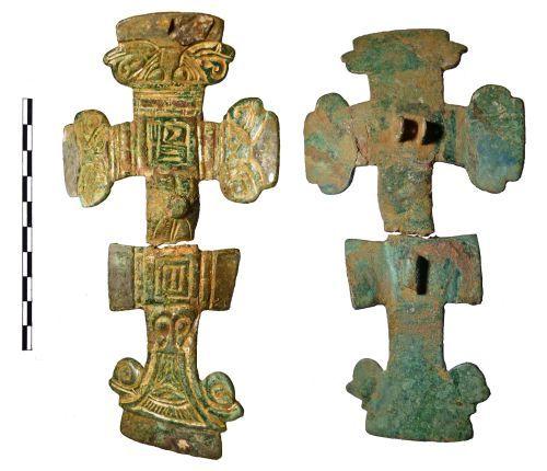 FAKL-BD5E61: Brooch, cruciform