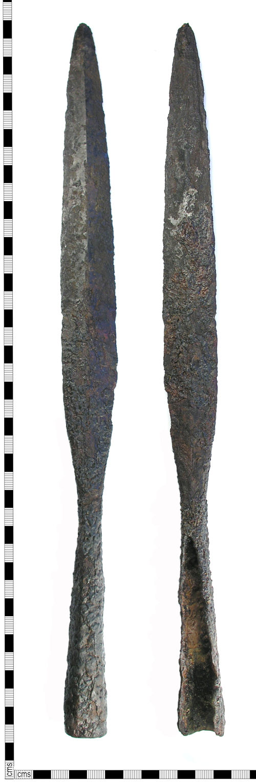 LON-920814: Early Medieval iron spear head