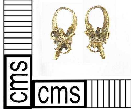 LON-B42740: A gold fragment of an artefact of an undiagnostic date.