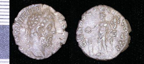 PUBLIC-2550E3: roman silver denarius of Commodus