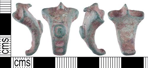 YORYM-73B71B: Roman : brooch