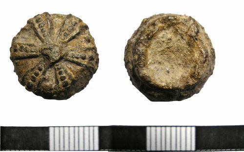 LANCUM-E637D4: Post-Medieval Lead Knop (Front and back)