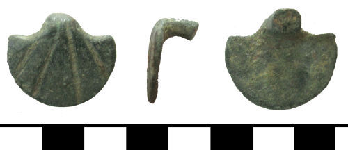 ESS-28F6B0: ESS-28F6B0 medieval knife or dagger guard (fragment)