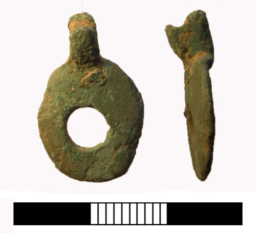SUR-D0D3F7: Iron age: Pendant