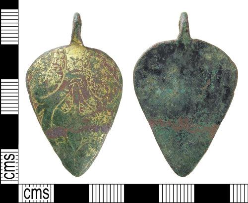 SUR-C38029: Medieval: Harness pendant