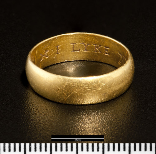 NMGW-3BA0FE: Post medieval gold posy finger-ring