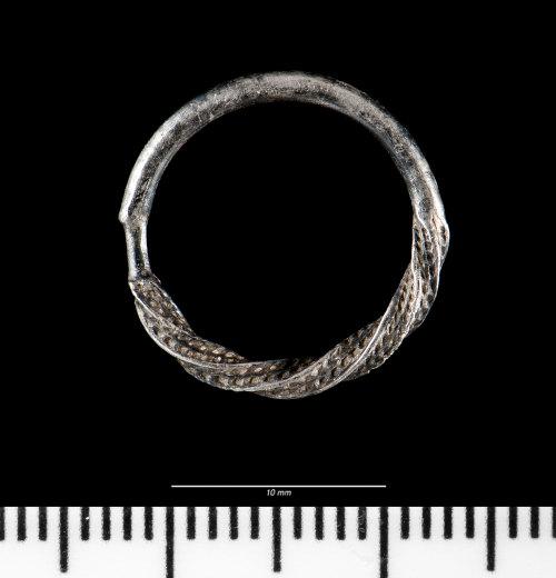 NMGW-3DF7B9: Medieval silver annular brooch