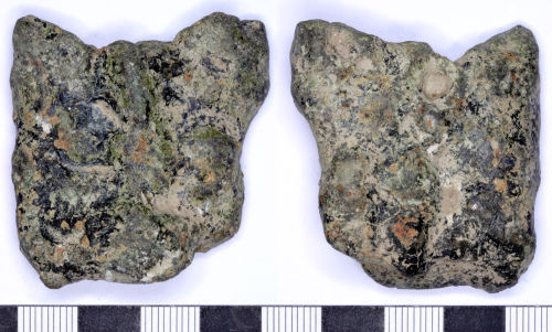 SOMDOR-AA4F34: Medieval or Post Medieval Cooking Vessel Leg