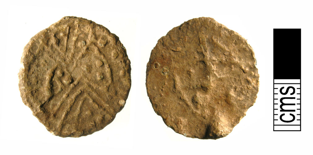 A resized image of Medieval or Post-Medieval lead token (fornt, reverse)
