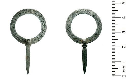 HESH-3899D2: Medieval: Silver Brooch