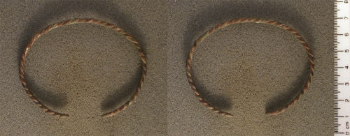 A resized image of Open bracelet probably dating to either the Roman period or the late medieval / post-medieval periods (100-450 or 1450-1650 AD).