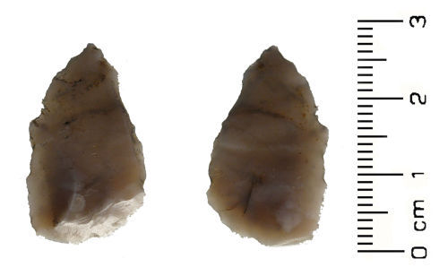 HESH-6926F6: Late Neolithic: Flint projectile point (arrowhead)