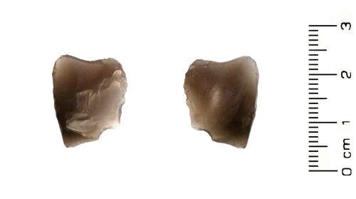 HESH-8AEDD5: Neolithic: Small irregular piece of flint debitage
