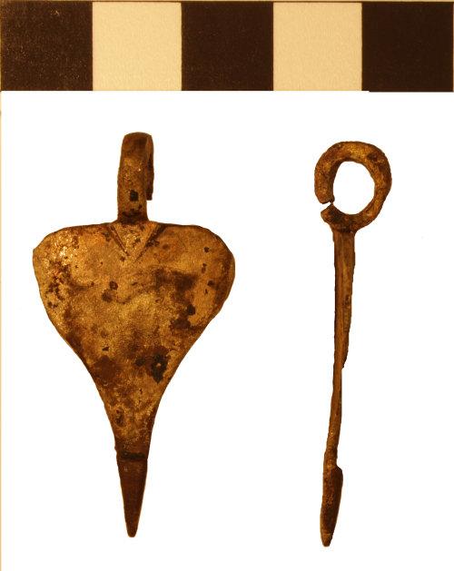 BM-D540E1: Roman harness pendant