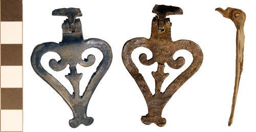 BM-C6C1AC: BM-C6C1AC: Roman harness pendant