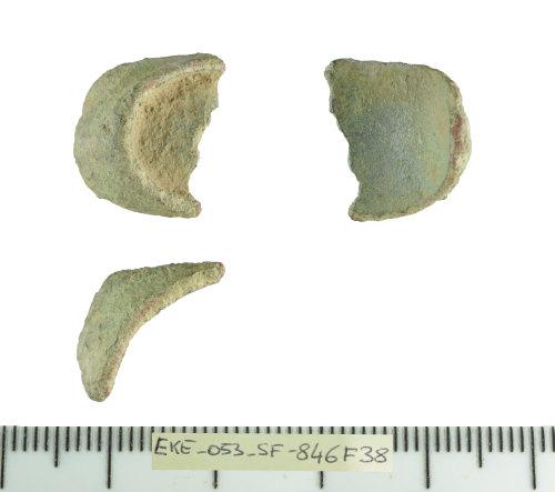 SF-846F38: Roman Henig type II finger ring fragment