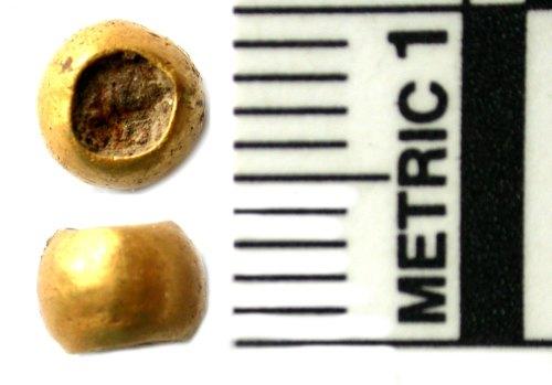 BUC-4F6F59: A gold bead
