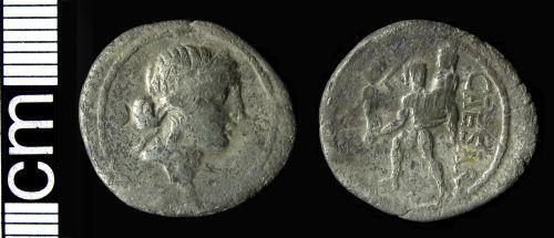 HAMP-266E40: Roman coin: Republican denarius (Caesar)