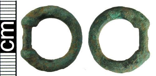 HAMP-899B32: Iron Age/Roman mini terret (harness fitting)
