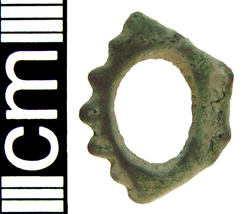 HAMP-9E5467: Post-medieval double-looped buckle