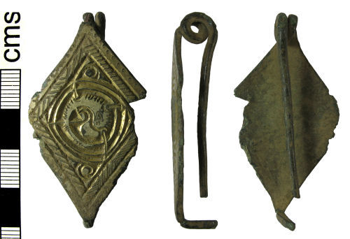 HAMP-CEBED7: Early-medieval bow brooch
