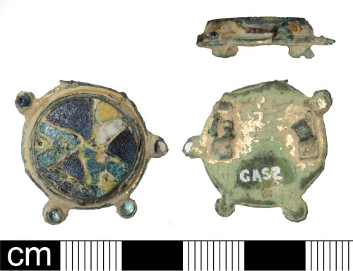 PAS-366BC7: Late early-medieval to medieval cloisonné enamelled disc brooch