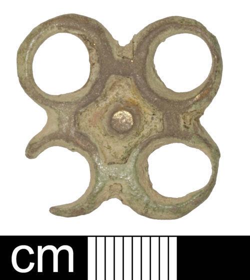 SOM-9005D5: Post-medieval strap-fitting (junction)