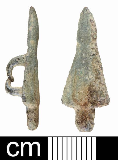 SOM-E9953D: Post Medieval strap mount