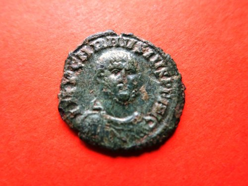 FASAM-6ACF3C: Roman coin: radiate of Carausius with facing bust, obverse