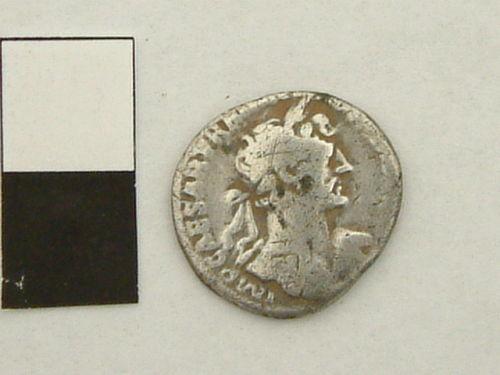 YORYM-6EC322: Roman coin, denarius, of Hadrian (obverse).