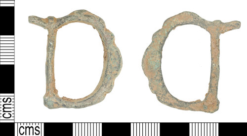 KENT-E8FB63: Copper alloy double loop buckle (AD 1350-1650)