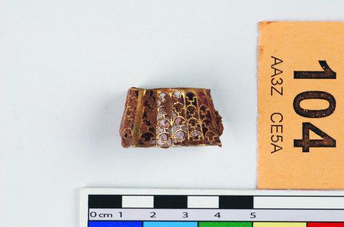 STAFFS-EA8920: A gold and garnet hilt collar