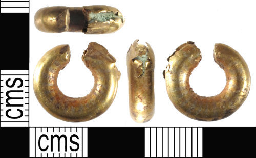 SUSS-176E57: Late Bronze Age Gold Penannular Ring