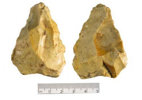 WMID-945086: Probable unworked flint of uncertain date