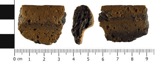 WMID-398397: Medieval: Ceramic vessel rimsherd