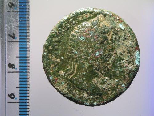 BM-40DDDE: Roman coin : sestertius of Lucius Verus (obverse)
