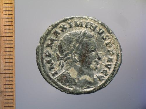 BM-030831: Roman coin : nummus of Maximinus II, GENIO POP ROM (obverse)