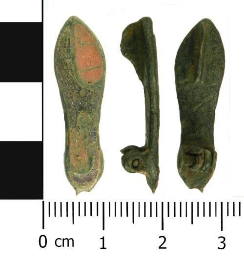 LVPL-670DA8: Roman brooch