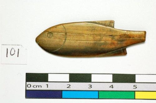 PAS-0A6925: Wooden/bone fish