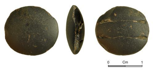 NMGW-C8902D: Stone button of uncertain date