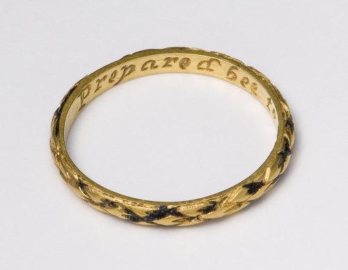 NMGW-4AF507: Post medival golden fingerring
