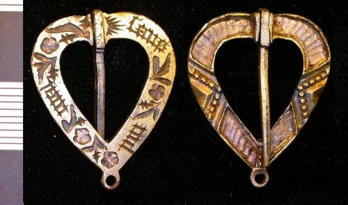 LEIC-5CDB65: medieval silver gilt brooch