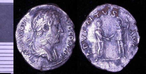 LEIC-64E977: 64E977 silver denarius of Hadrian