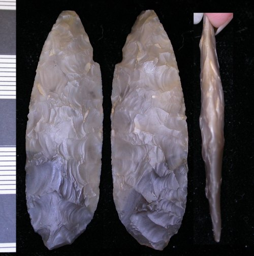 LEIC-7F2043: Late Neolithic flint dagger