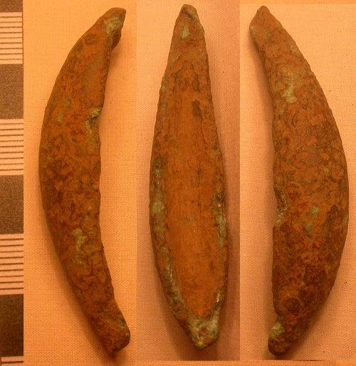 LEIC-FD3028: FD3028 Iron age/Roman copper alloy cosmetic mortar